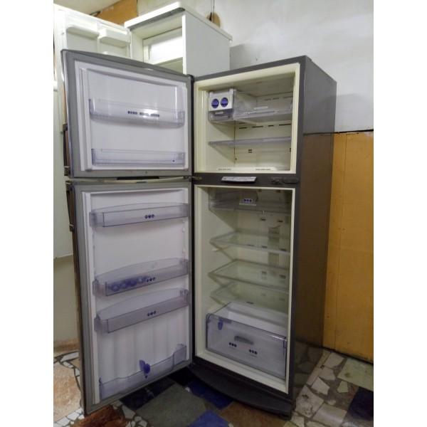 Холодильник Whirlpool ARC 4178 IX А класс