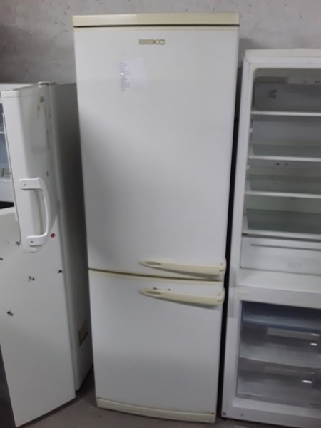 Холодильник Beko 185 см