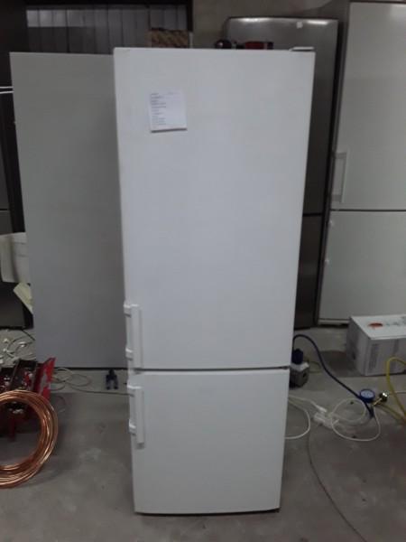 Двухкамерный холодильник Либхер (155см)