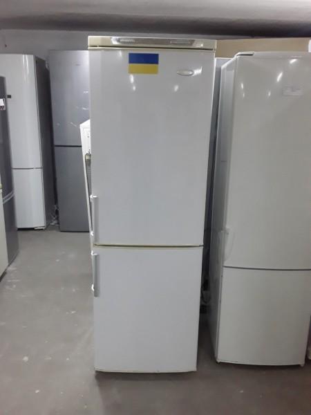 Двухкамерный холодильник Ya...