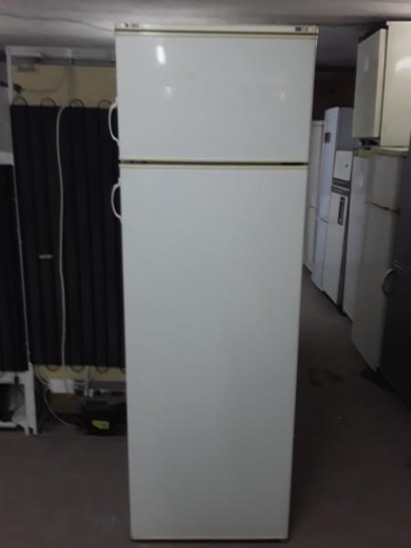 Холодильник Indesit 180 см с вер�...