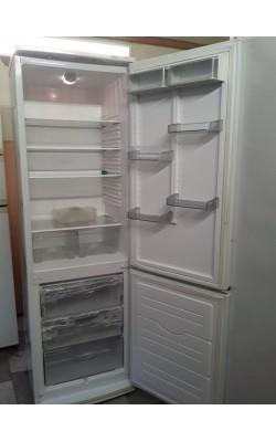 Двухкамерный Холодильник Atlant  200 см