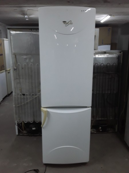 Холодильник Whirlpool 190 см