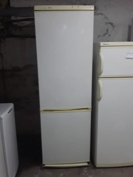 Двухкамерный Холодильник Snaige 190 см