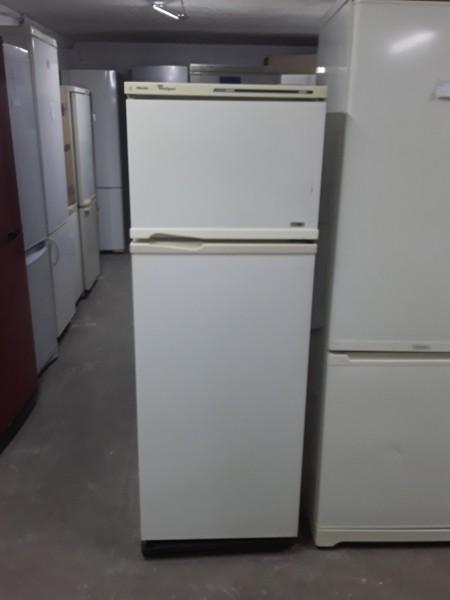 Холодильник Whirlpool 150 см