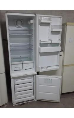 Встраиваемый холодильник Ariston 180 см б.у