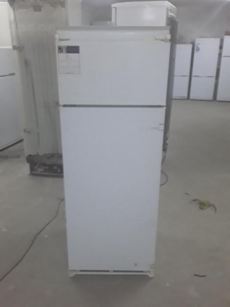 Холодильник Ariston 140 см