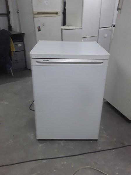 Однокамерный холодильник Siemens 85 см