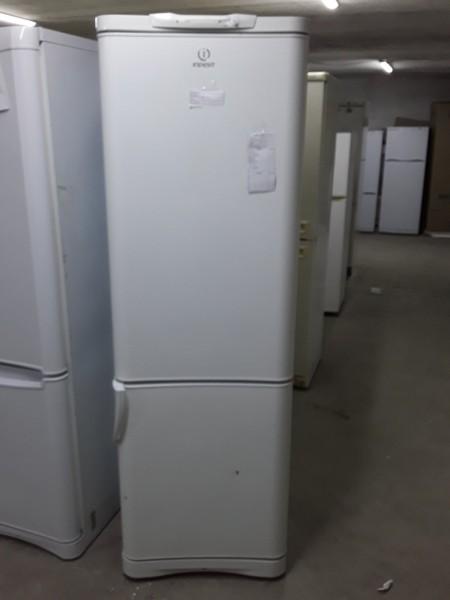 Холодильник Indesit 180 см (2)