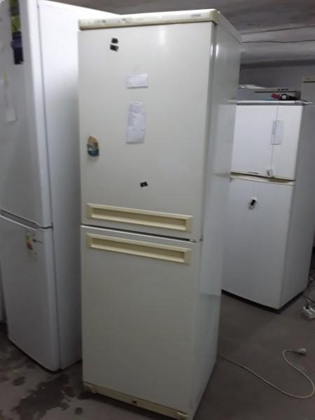 Холодильник Stinol 180 см Бежев�...