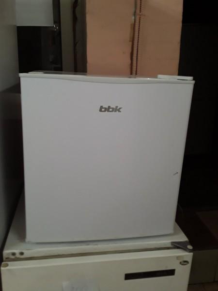 Холодильник кубик