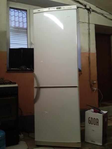 Холодильник Haier 180 см.
