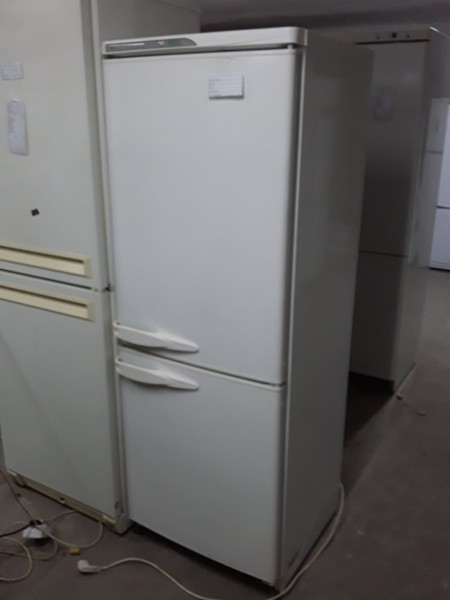 Холодильник Stinol 165 см (4)
