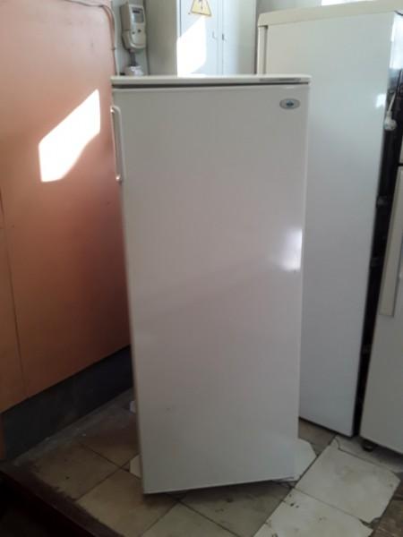 Однокамерный холодильник At...