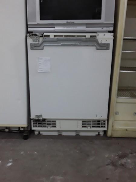 Встраиваемый холодильник Bosch 85 см