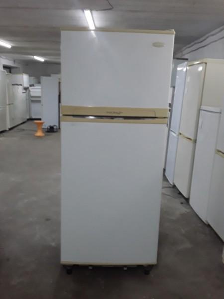 Холодильник Daewoo 170 см