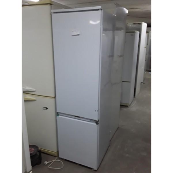 Встраиваемый холодильник Ariston 180 см