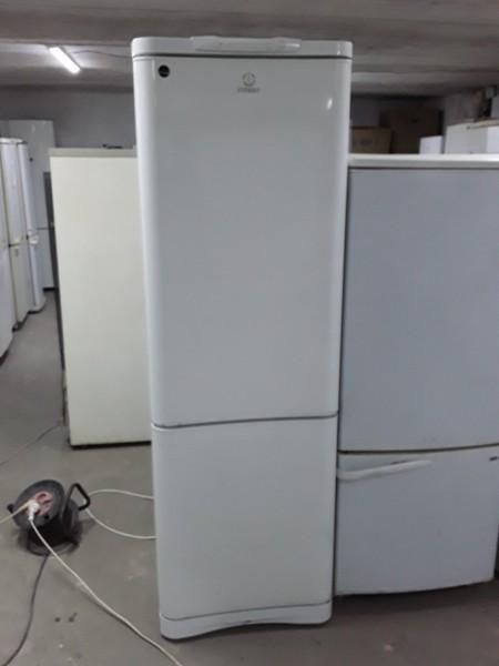 Холодильник Indesit 180 см (4)