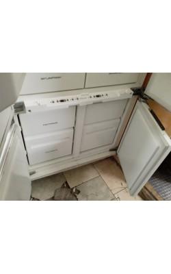 Двухкамерный холодильник Электролюкс