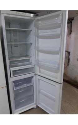 Двухкамерный холодильник Hotpoint- Ariston ( 200 см)