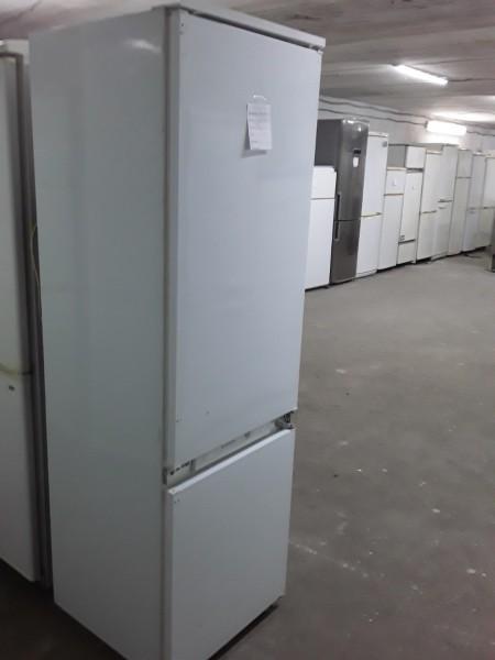 Холодильник Ariston 185 см