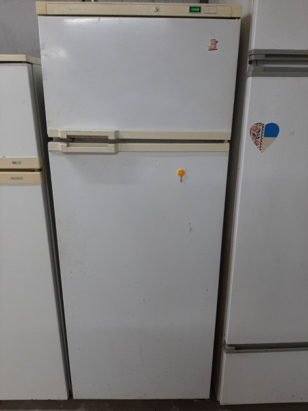 Двухкамерный  холодильник Атлант (160м)