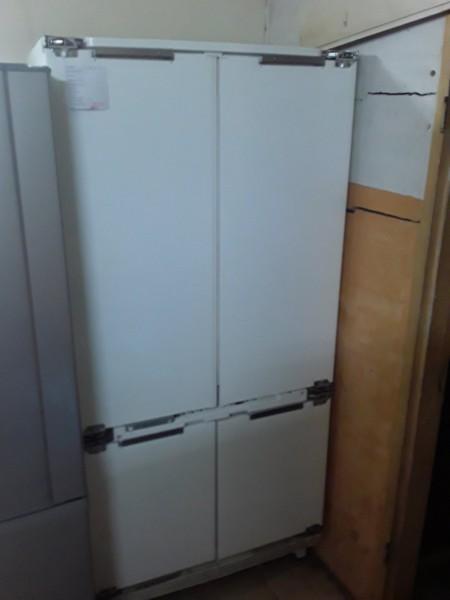 Большой холодильник Электролюкс