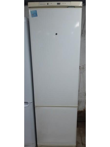 Двухкамерный холодильник El...