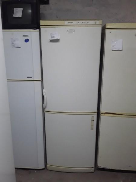 Двухкамерный холодильник Горение