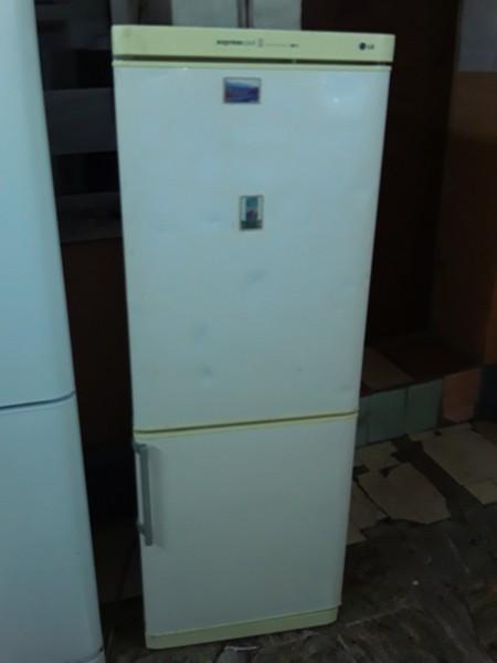 Двухкамерный холодильник LG (165см)