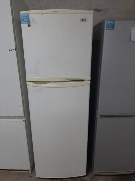Двухкамерный холодильник LG (162см)