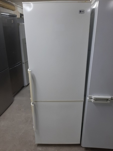 Двухкамерный холодильник LG (175 см)