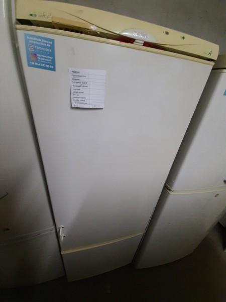 Двухкамерный холодильник Sn...