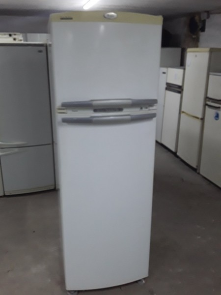 Холодильник Whirlpool No Frost