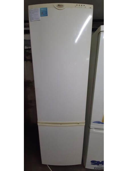 Двухкамерный холодильник Whirlpool( 202 см)