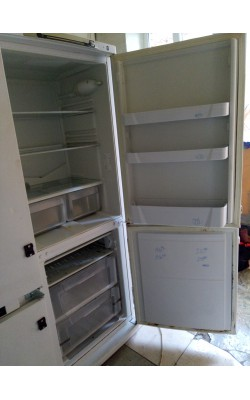 Холодильник Indesit 160 см