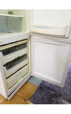 Холодильник Whirlpool 190 см (двухкамерный)