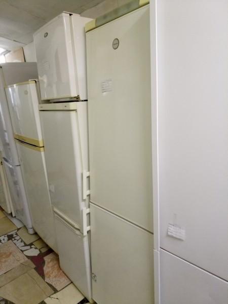 Холодильник Electrolux 2м