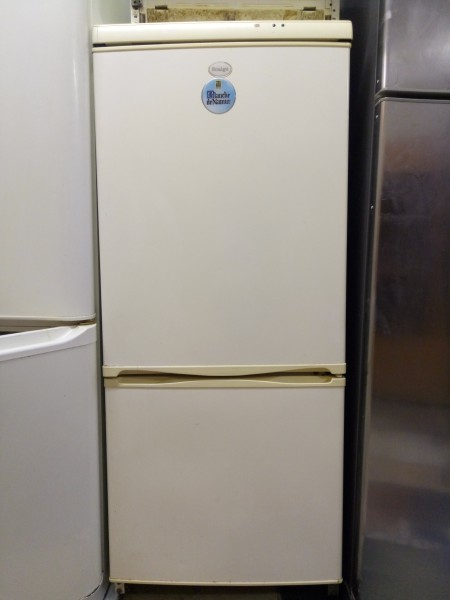 Холодильник Snaige 145 см